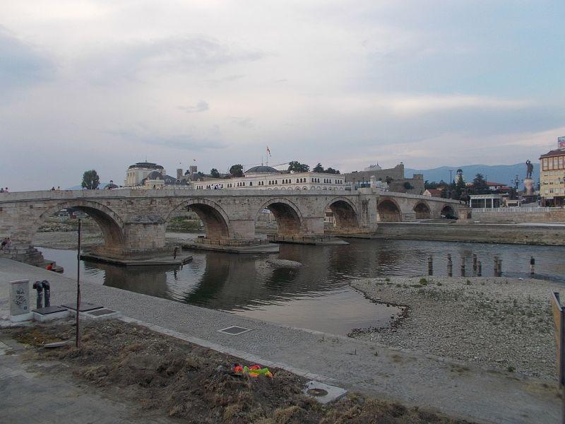 large_7449634-The_Stone_Bridge_Skopje.jpg