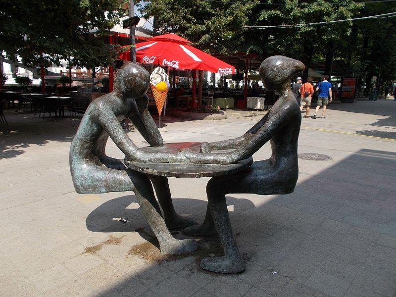 large_7449715-Statues_Skopje.jpg