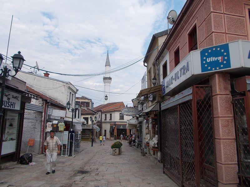 large_7460390-_Skopje.jpg