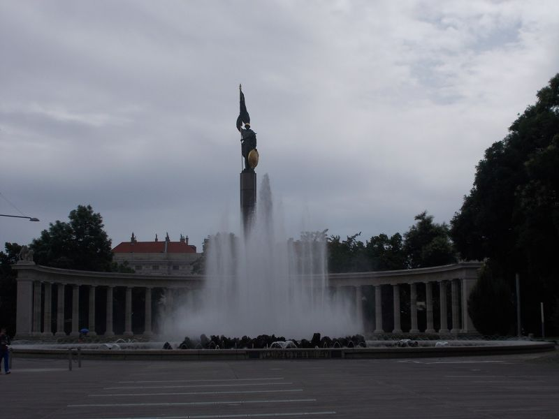 Fountain and Red Army Memorial. - Vienna