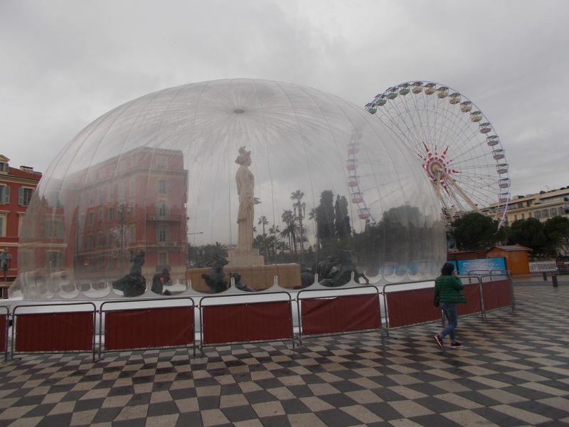 The snow globe and the big wheel. - Nice