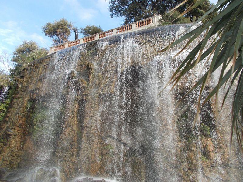 The cascade. - Nice
