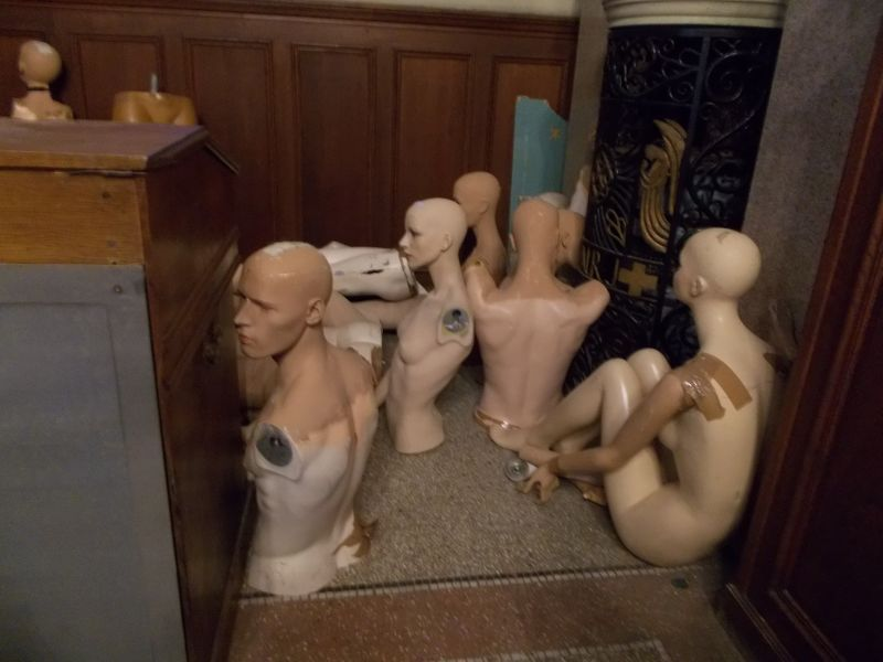 Massacre of unwanted mannequins. - Nice