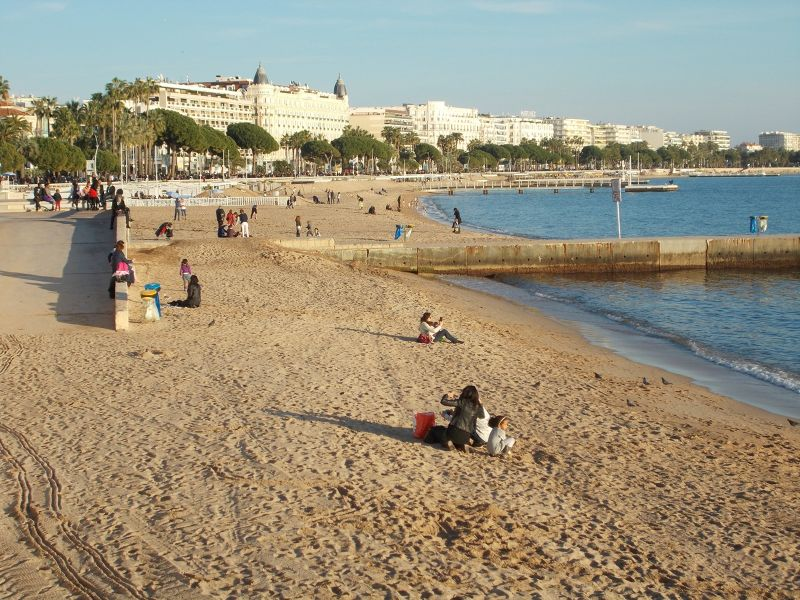 Cannes beach. - Cannes