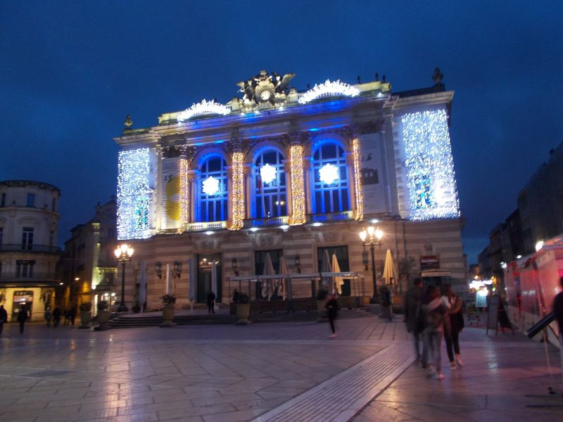 The opera house at night. - Montpellier