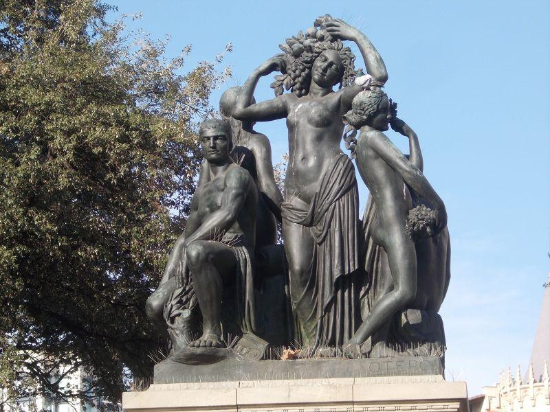 Sculpture, Catalunya Square. - Barcelona