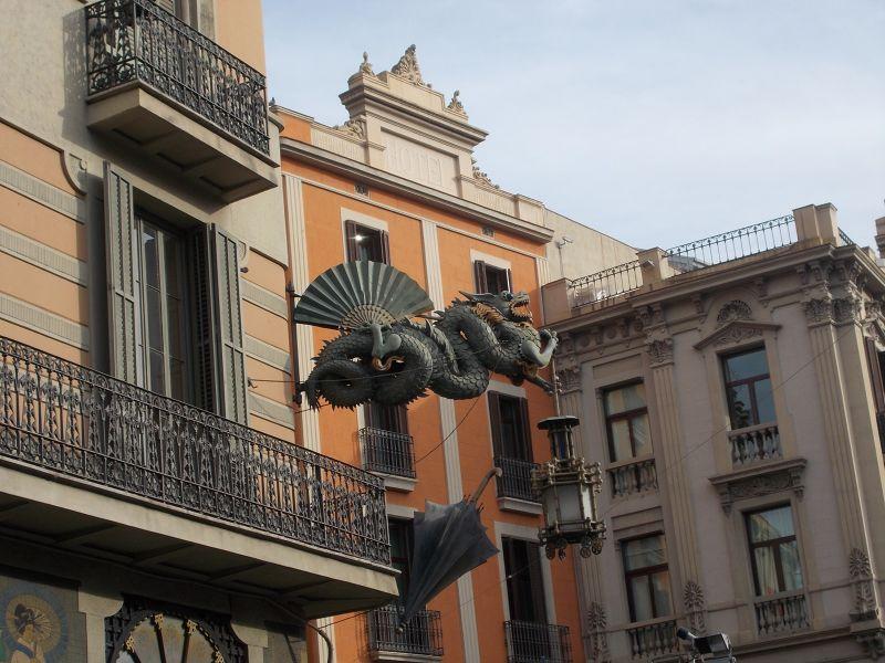 Umbrella House, La Rambla. - Barcelona
