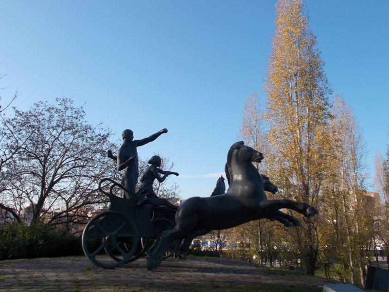 Chariot Statue - Barcelona