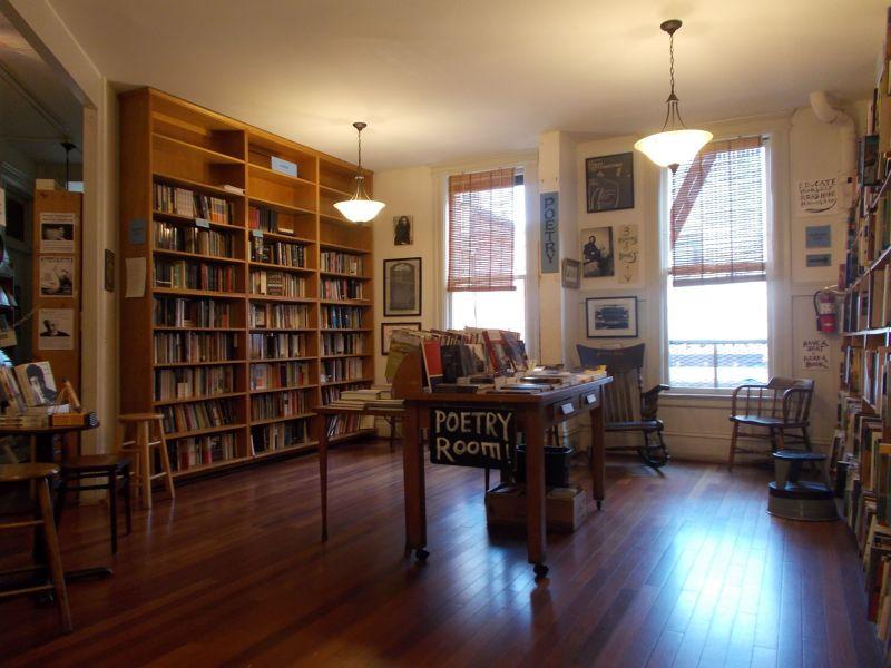 large_7574122-City_Lights_Books_San_Francisco.jpg