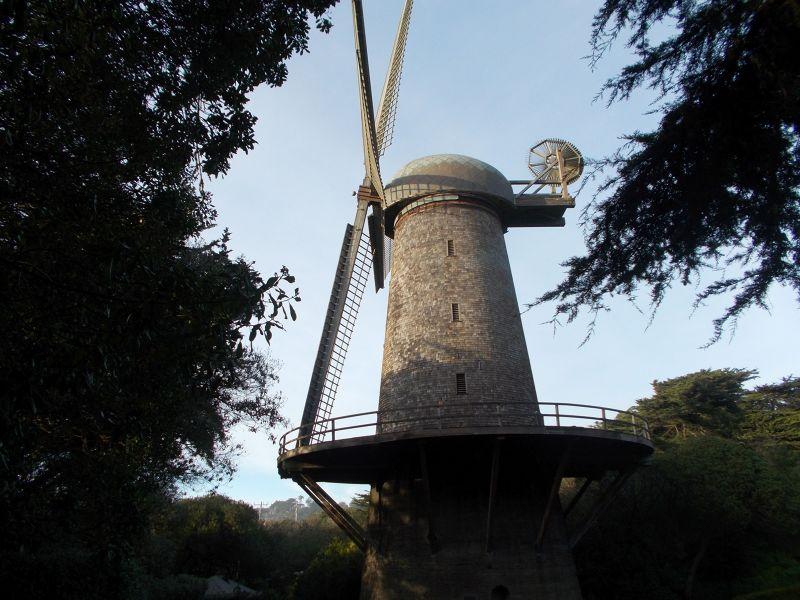 large_7576302-Dutch_Windmill_San_Francisco.jpg