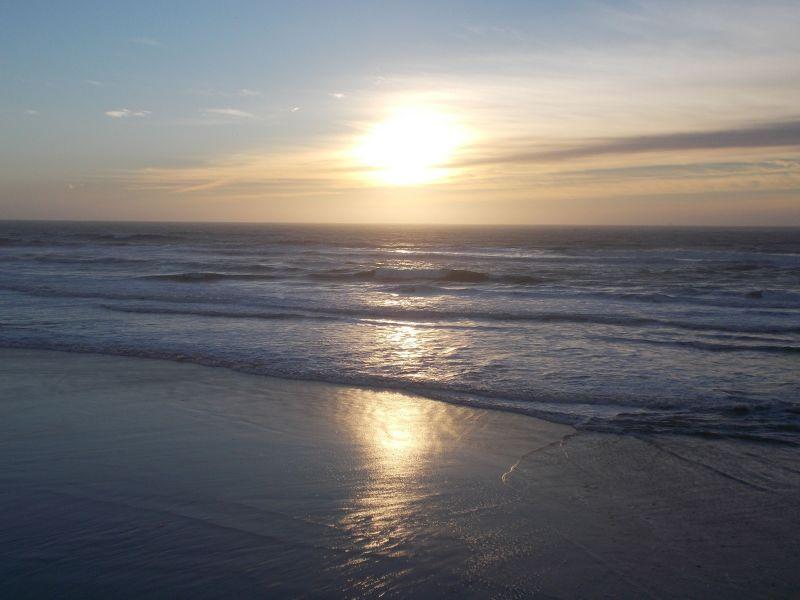 large_7576732-Sunset_over_Ocean_Beach_San_Francisco.jpg