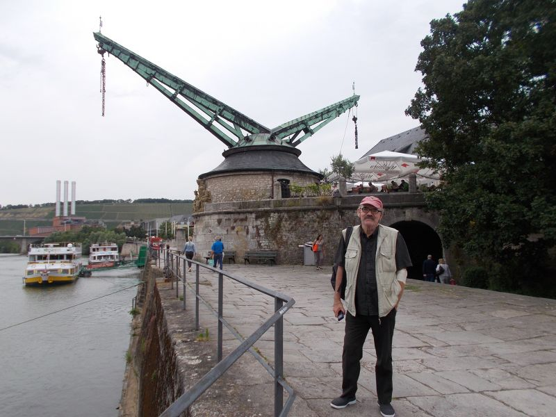 Peter at the old crane. - Würzburg