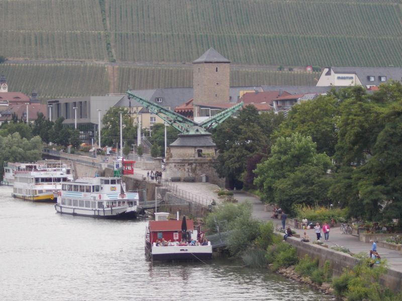 The old crane. - Würzburg