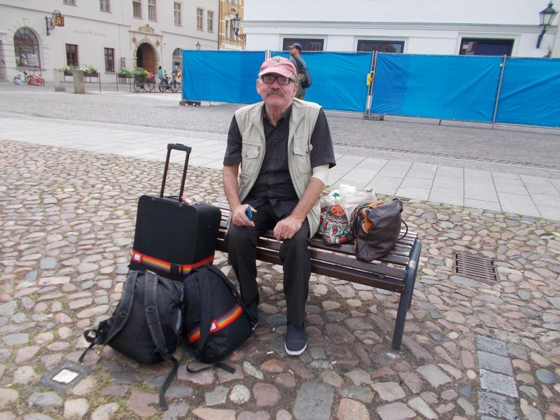 Guarding that luggage. - Wittenberg