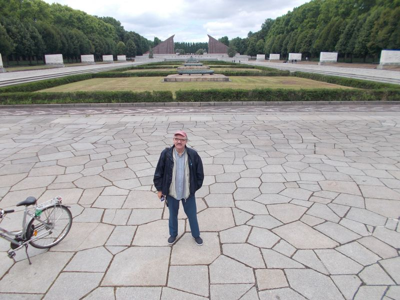 Peter at the monument - Berlin