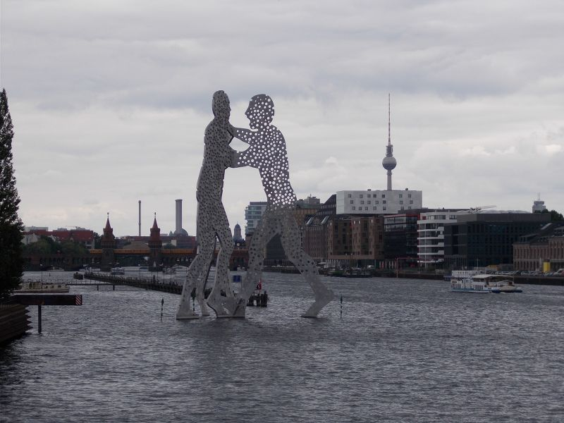Molecule Man. - Berlin