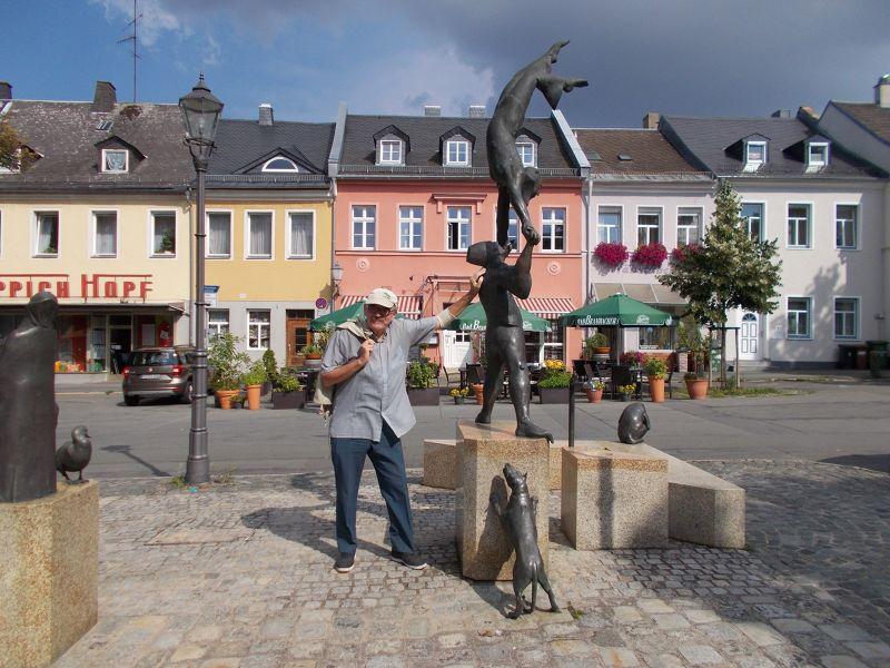 Mediaeval fountain. - Hof