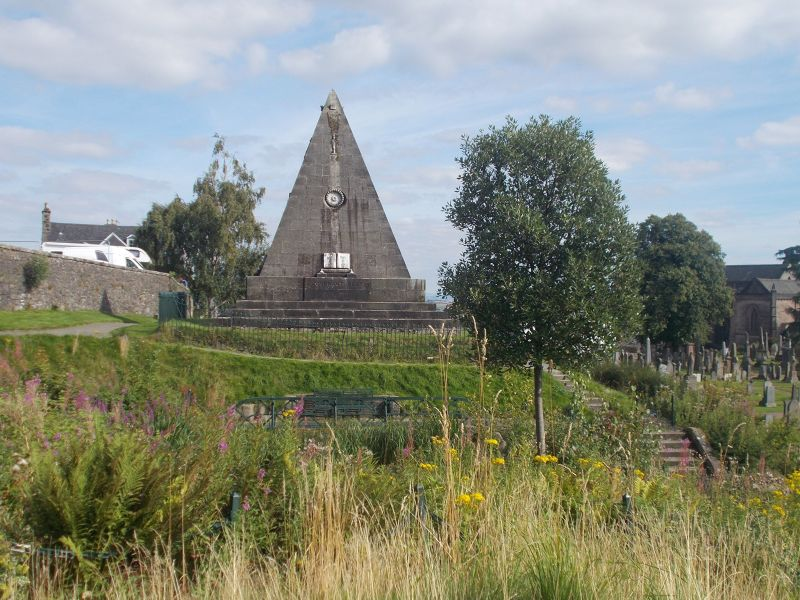 Star Pyramid, Valley Cemetery. - Stirling