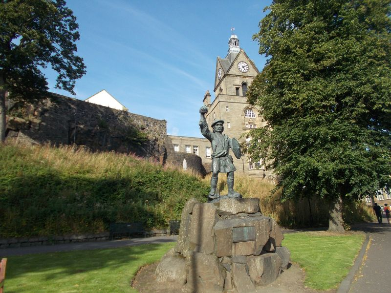Rob Roy Statue. - Stirling