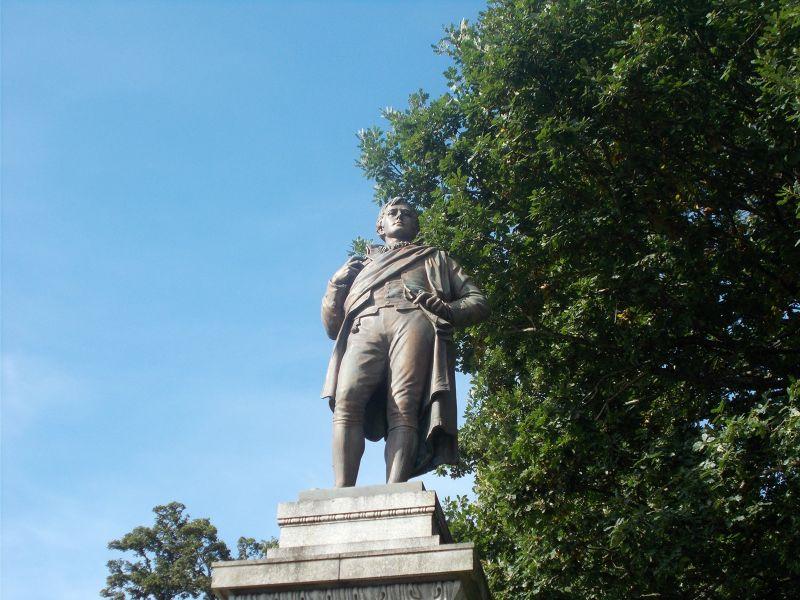Robert Burns statue. - Stirling