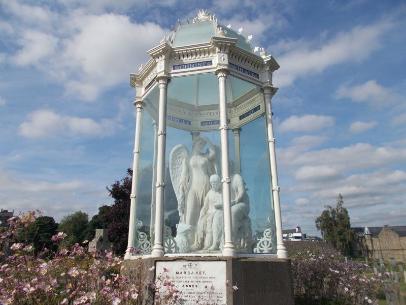 The Martyrs'Monument. - Stirling