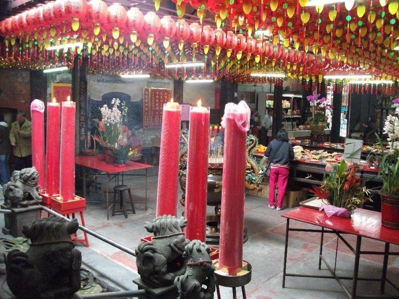 large_801825824755272-Temple_decor..ear_Taipei.jpg