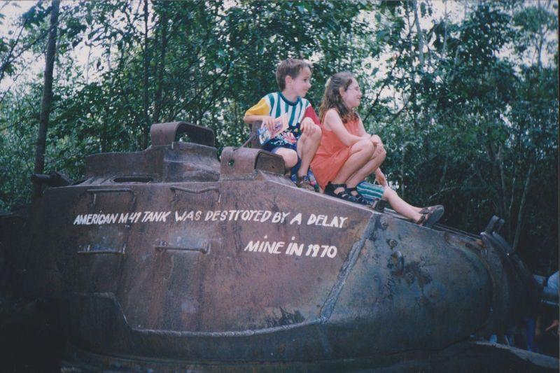 large_964939376751318-Children_pla.._Minh_City.jpg