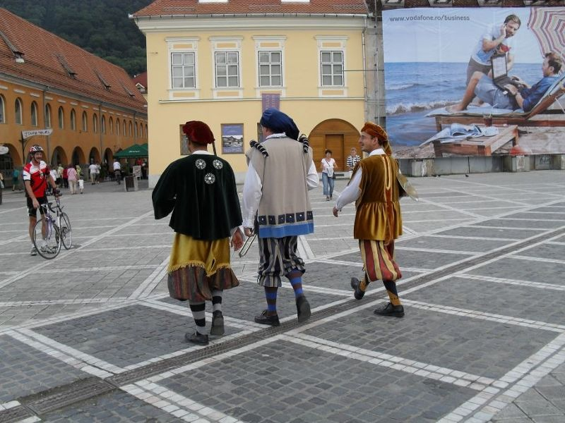 Mediaeval goings on in the town square - Brasov