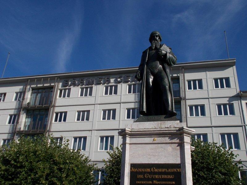 Johanes Gutenburg.