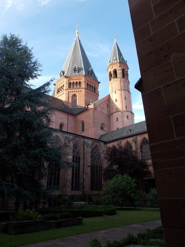 Across the courtyard of Mainz Cathedral.
