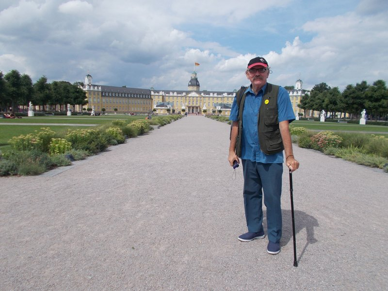Peter in front of the palace.