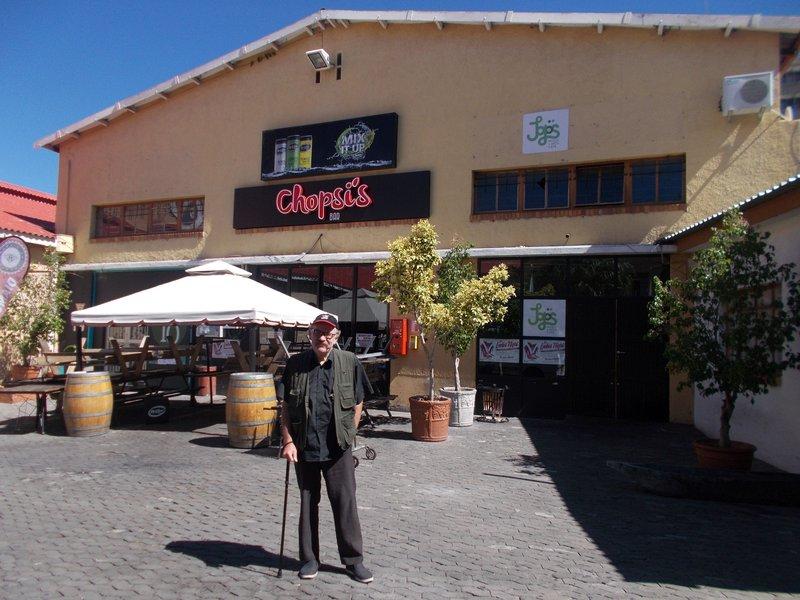 Chopsi's Bar.