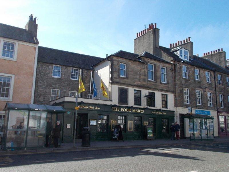Linlithgow High Street.