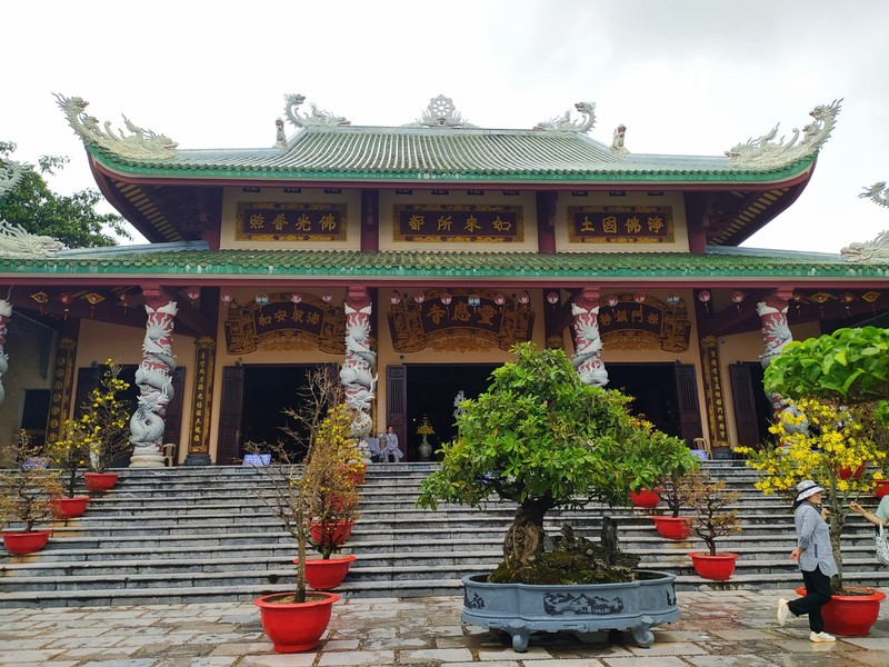 The Linh Ung Pagoda.