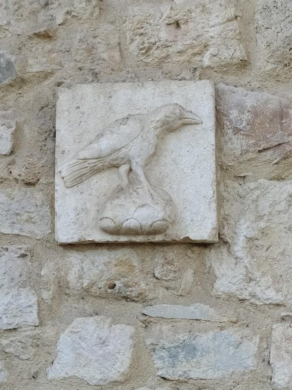 The raven, the symbol of Lisbon.