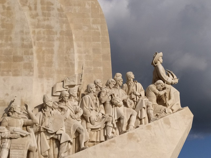 The Discoveries <br />Monument.