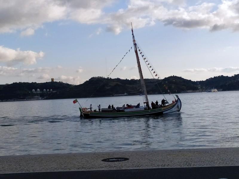 Cruising the Tagus River.