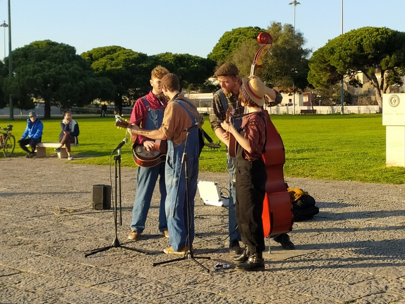 Buskers at Belem Tower.