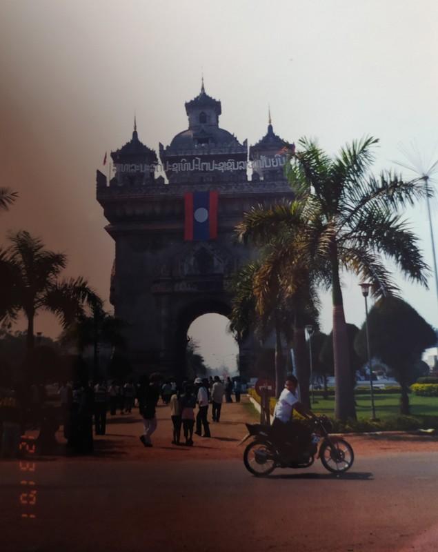 Patuxai Monument.