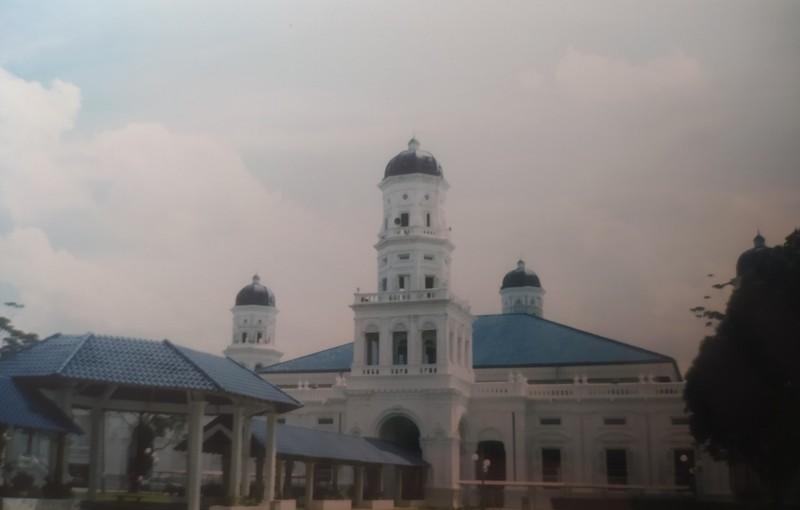 Sultan Abu Bakar Mosque.