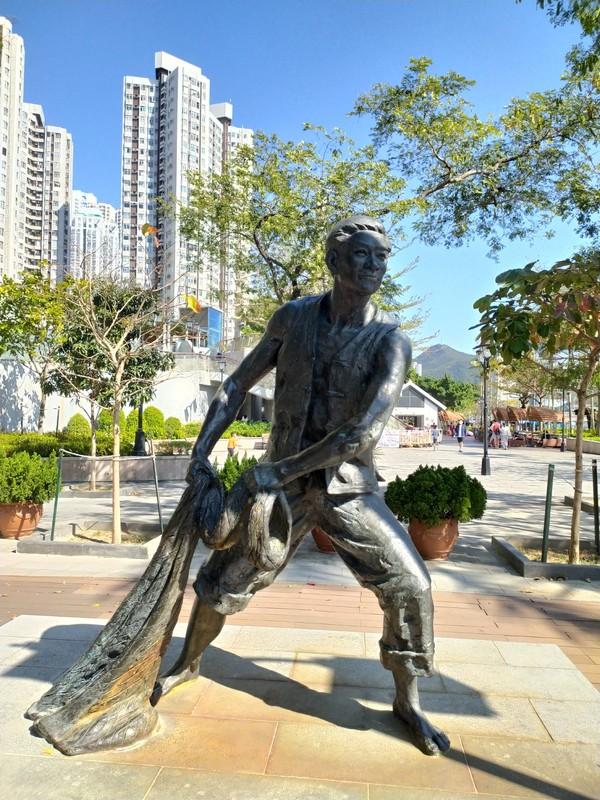 Fisherman Statue on the Promenade.
