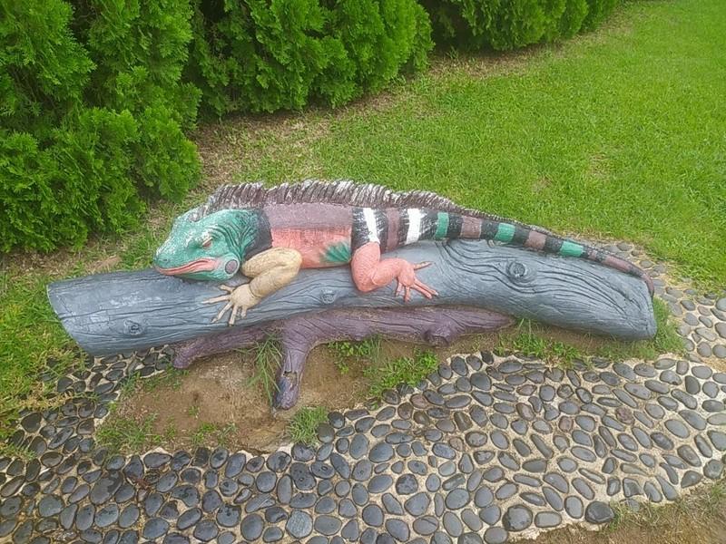 Model outside Reptile House.