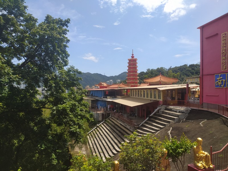 A view over the lower level with its vegetarian restaurant.