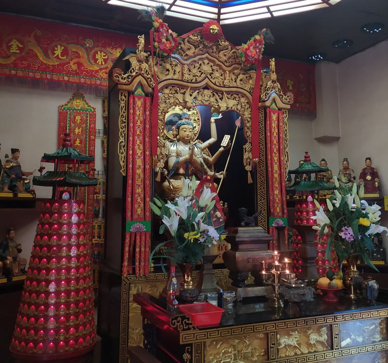 Image inside the temple.