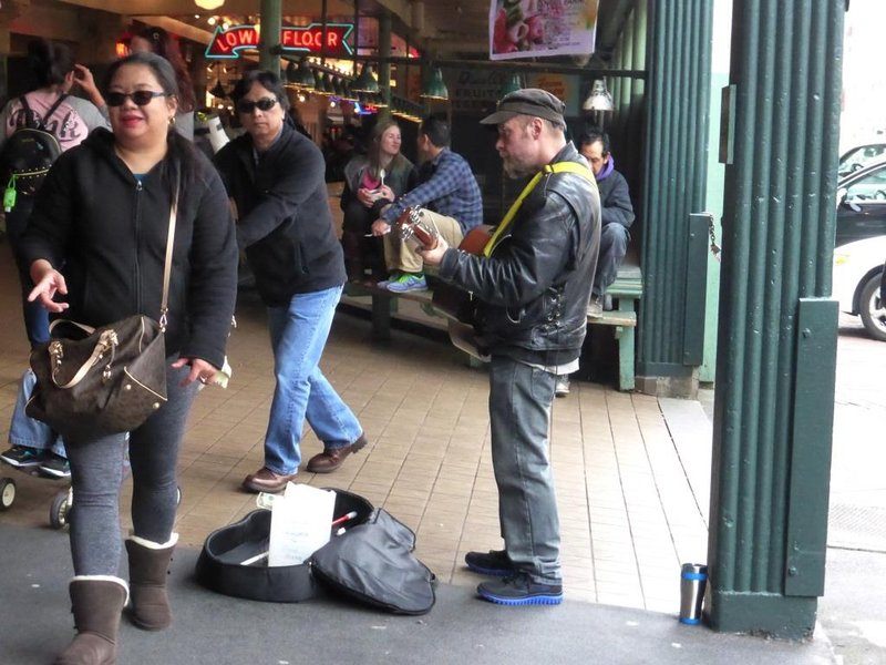 many many buskers in the city centre