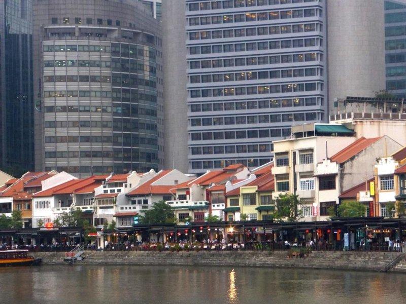 Boat Quay,less close