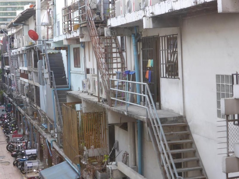 workman's alley in the centre of Bangkok