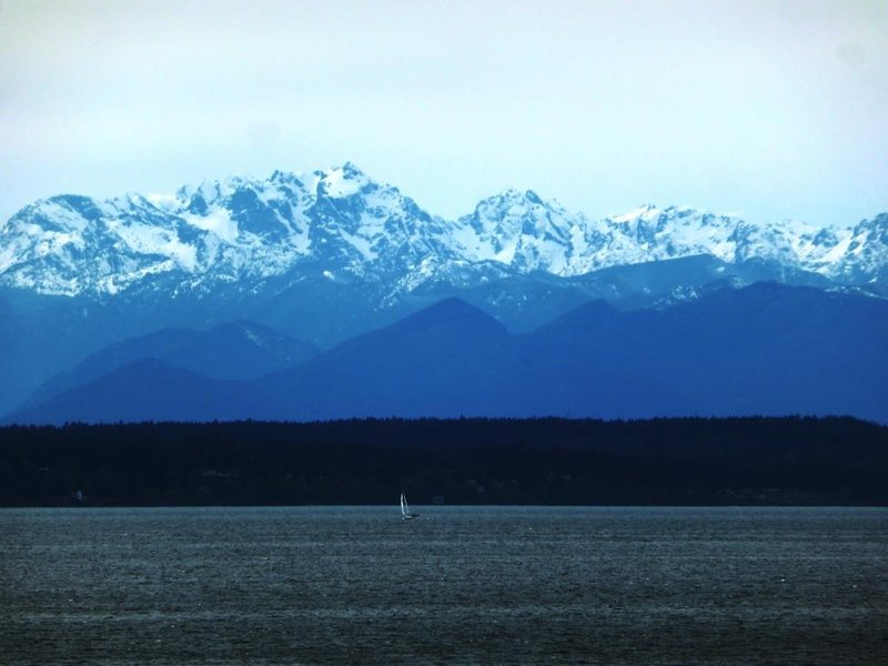 Seattle, surrounded by water and mountains