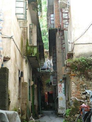 a hosztellel szembeni kis utca