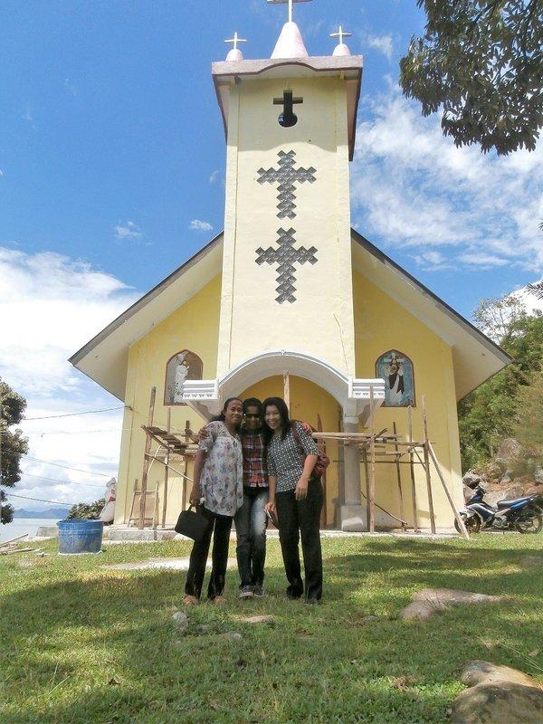 large_Gereja_batak_Samosir.jpg
